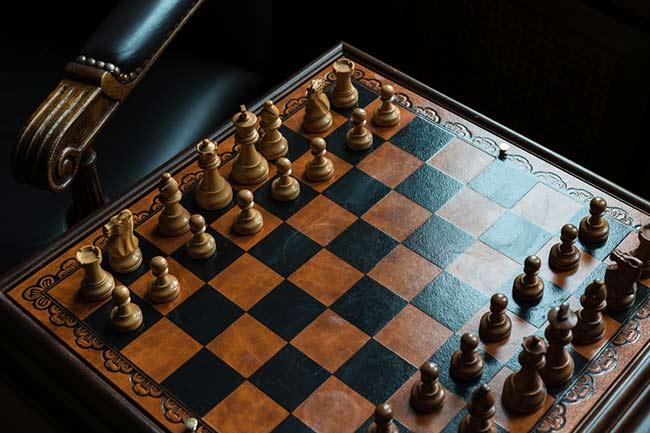traditioneel houten schaakbord